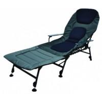 Кресло с приставкой для ног